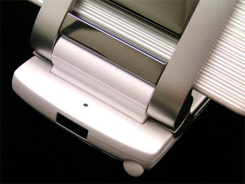 掌上液晶电视夏普极品V905SH精美图赏(2)