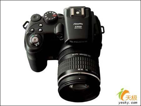 新旗舰富士长焦相机S9500跌至4400元