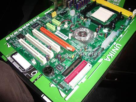 积极响应AMD双敏AM2主板只卖499低价