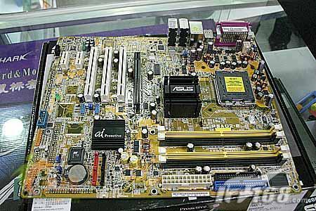 华硕P5AD2-E主板促销仅740元还送鼠标