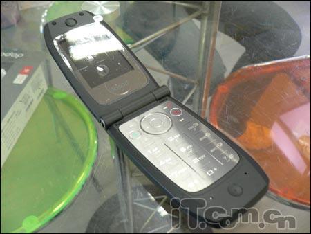 智能手机也玩超薄多普达710到货3888