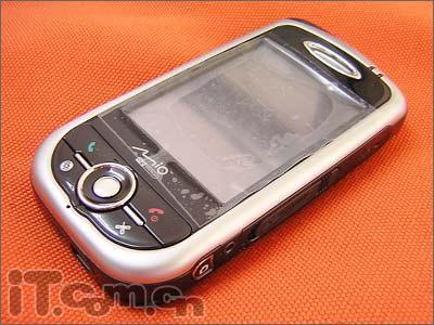性能强劲神达PPC手机A701售价5200元