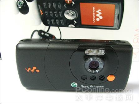 逼近水货价索爱音乐手机W810c降至3280元