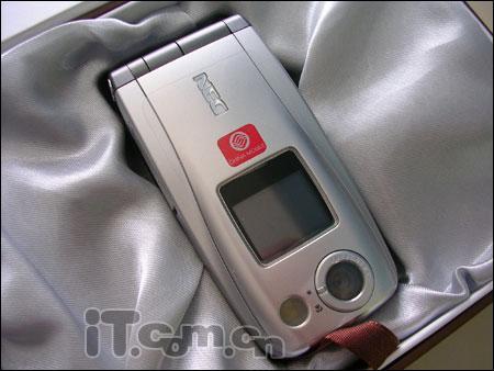 200万像素NEC折叠设计N840跌至1499元