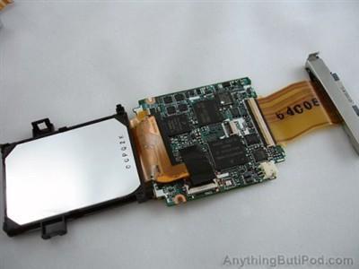 主板和用排线连接的硬盘以及数据接口