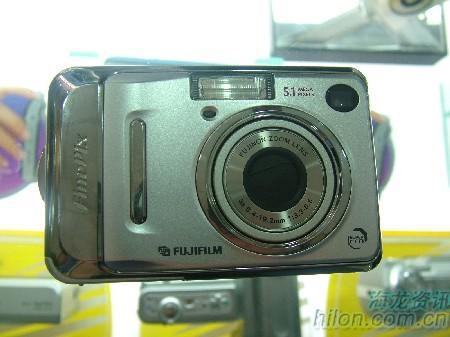 轻巧时尚的卡片机富士A500相机卖1650元