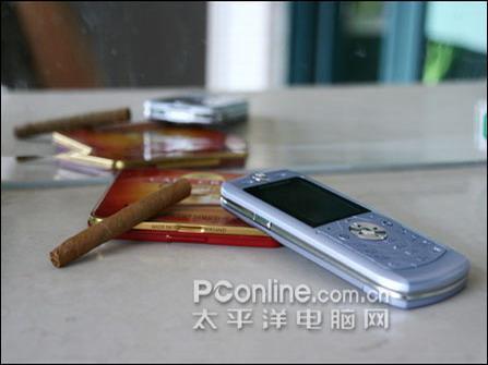 落入低端摩托刀片手机L6仅售1288元