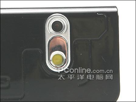 不对称美联想200万像素手机i717仅售830