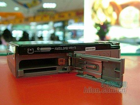 三英寸大屏带防抖奥记SP700卖2680元