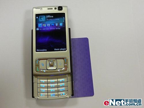 500万像素诺基亚旗舰新机N95图赏(13)