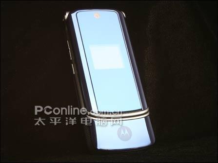 新一代刀锋Moto超薄翻盖K1改版仅2480