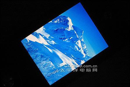 200万像素摩托超薄手写机E6售3999元