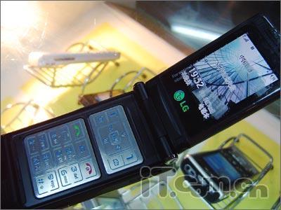 200万像素LG超薄翻盖G912改版仅1480元