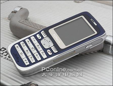 简洁直板设计 康佳拍照手机D161不足千元