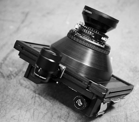 彪悍强人自己制造的大画幅数码相机
