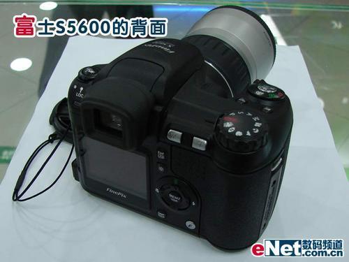 热销的廉价长焦相机富士S5600价格小降