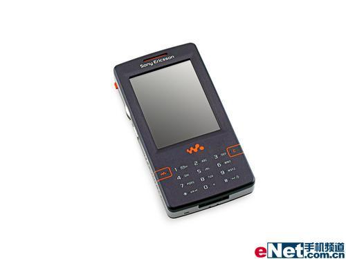 音乐皇帝索爱4GB智能机W950i售3690