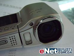 10倍长焦偷拍利器尼康S10仅售2450元