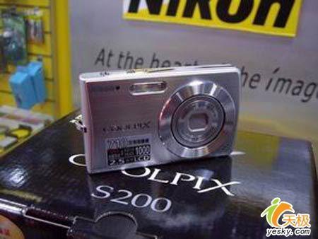 尼康S系猛将防抖卡片S200惊喜价1820元