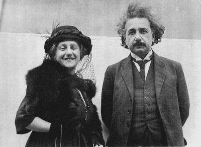 科技时代_图文:爱因斯坦与他的第二任妻子爱尔莎