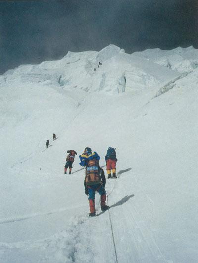科技时代_珠穆朗玛峰概况:人类攀珠峰不完全历史