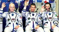 科技时代_三宇航员乘联盟上太空 飞船搭载有特殊乘客