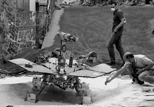 科技时代_两部漫游者机器人在火星上的500个日日夜夜