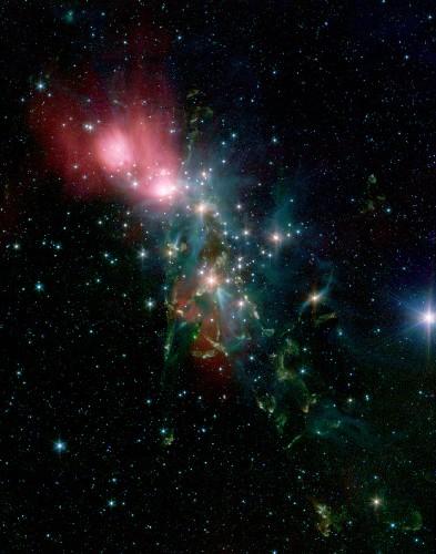 科技时代_英仙座反射星云散发缤纷诡谲色彩(图)