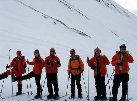 """""""7 2""""计划北极点探险队队员训练时合影"""