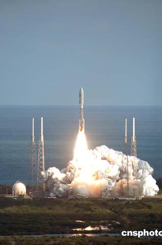 科技时代_美国冥王星探测器新地平线终于成功发射(图)
