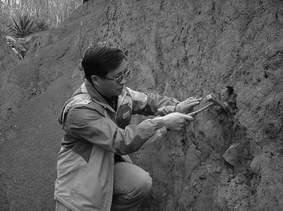 科技时代_学术争论:人类祖先是智慧猎人还是逃生专家