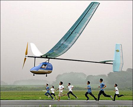 日本研制出世界上第一架干电池动力飞机(图)_