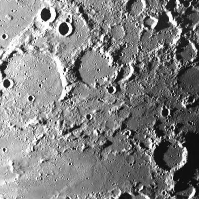 科技时代_图文:SMART-1号拍摄的首张月球照片