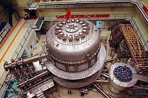 科技时代_中国人造太阳成功完成首次等离子体放电实验