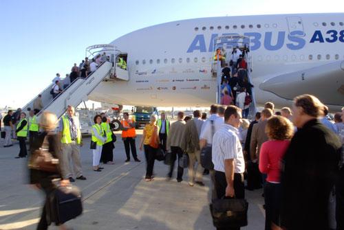 科技时代_组图:空中客车A380首次载人飞行