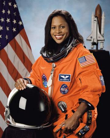 科技时代_发现号STS-116任务专家:琼-希金博萨姆(图)