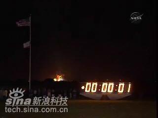 科技时代_图文:发现号航天飞机升空后一秒