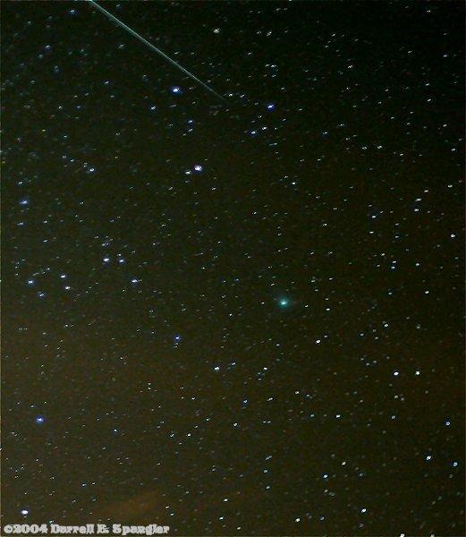 科技时代_组图:04年美国拍到的双子流星与Machholz彗星