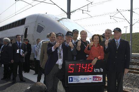4月3日,法国阿尔斯通v150列车于以574.