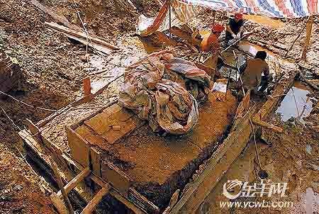 科技时代_广州文德路挖出南汉城墙遗迹