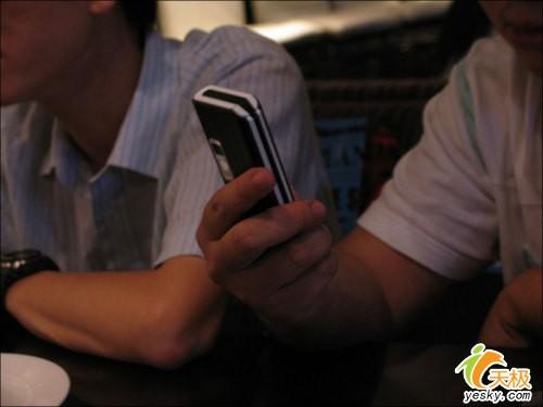 联想超娱乐手机i750产品图片集锦