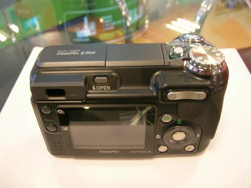 900万像素全手动相机富士E900仅2750元