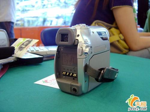 32倍大变焦JVC家用D350AC摄像机2380