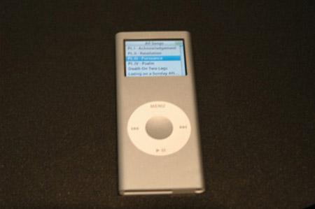 抢先看苹果新款iPodnano2真机图赏