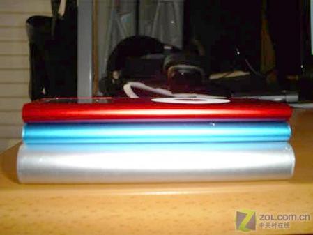 红色版苹果iPodnano真机精美图欣赏(2)