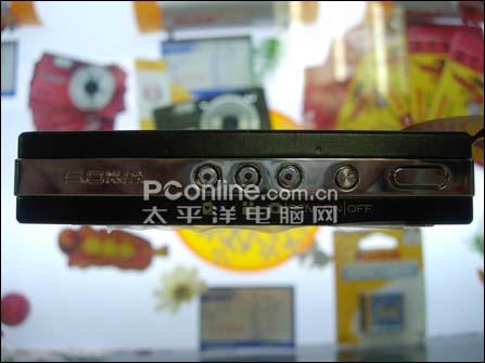 柯达V570经典双镜头卡片机赔本价1800元