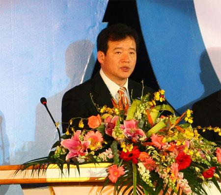 科技时代_图为:三星电子大中华区营销总裁姜泰隆