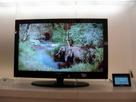 科技时代_三星展出46英寸内置数字电视功能液晶电视