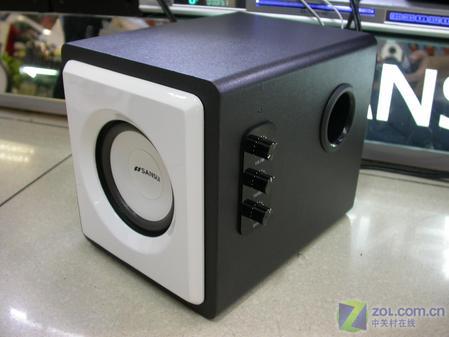 这款音箱的外观小巧可爱,优雅至极.