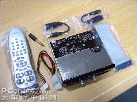 前置面板内置了运放器,具备各类外接设备接口.